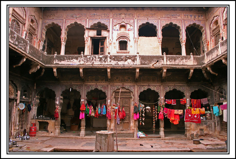 Courtyard-at-a-haveli