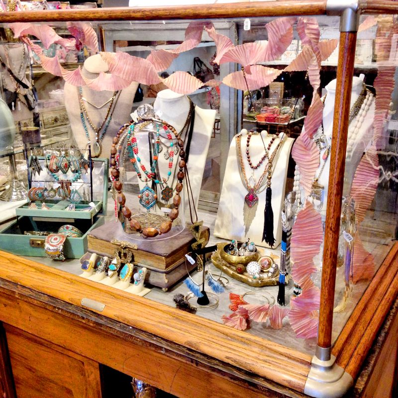 Papaya living antique jewelry case