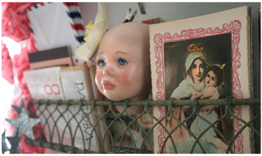 Doll_head_shelf